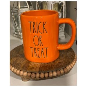 Rae Dunn Trick or Treat Mug 🎃